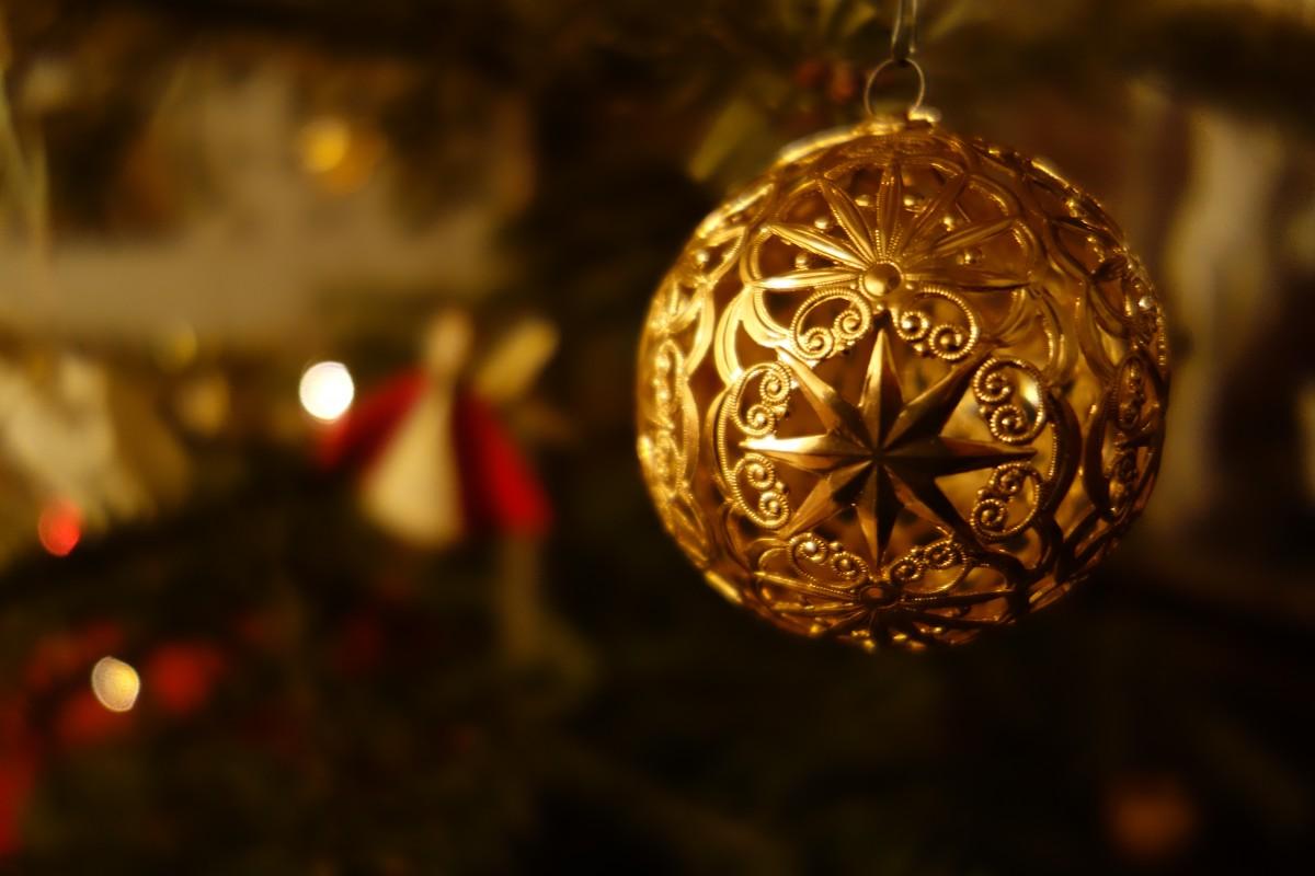 Vesele praznike in srečno novo leto
